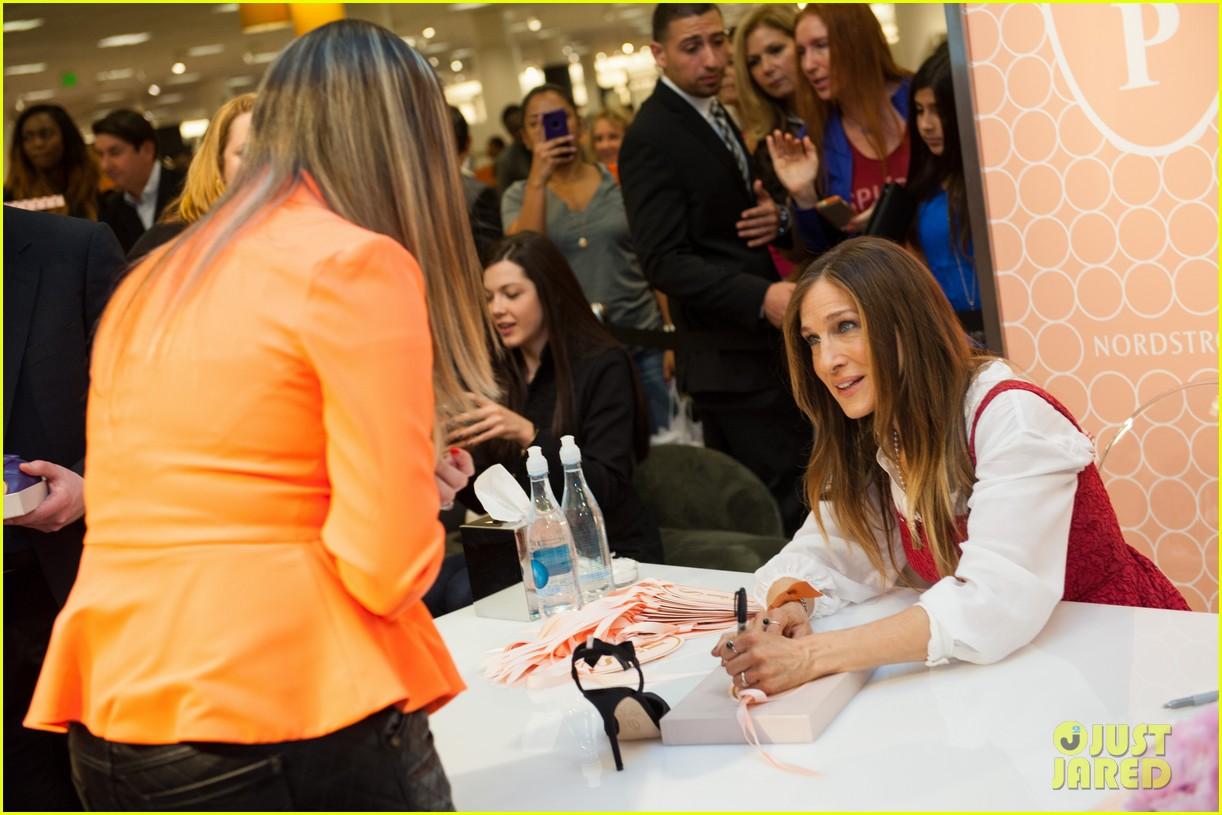 sarah jessica parker promotes her shoe line in florida 15