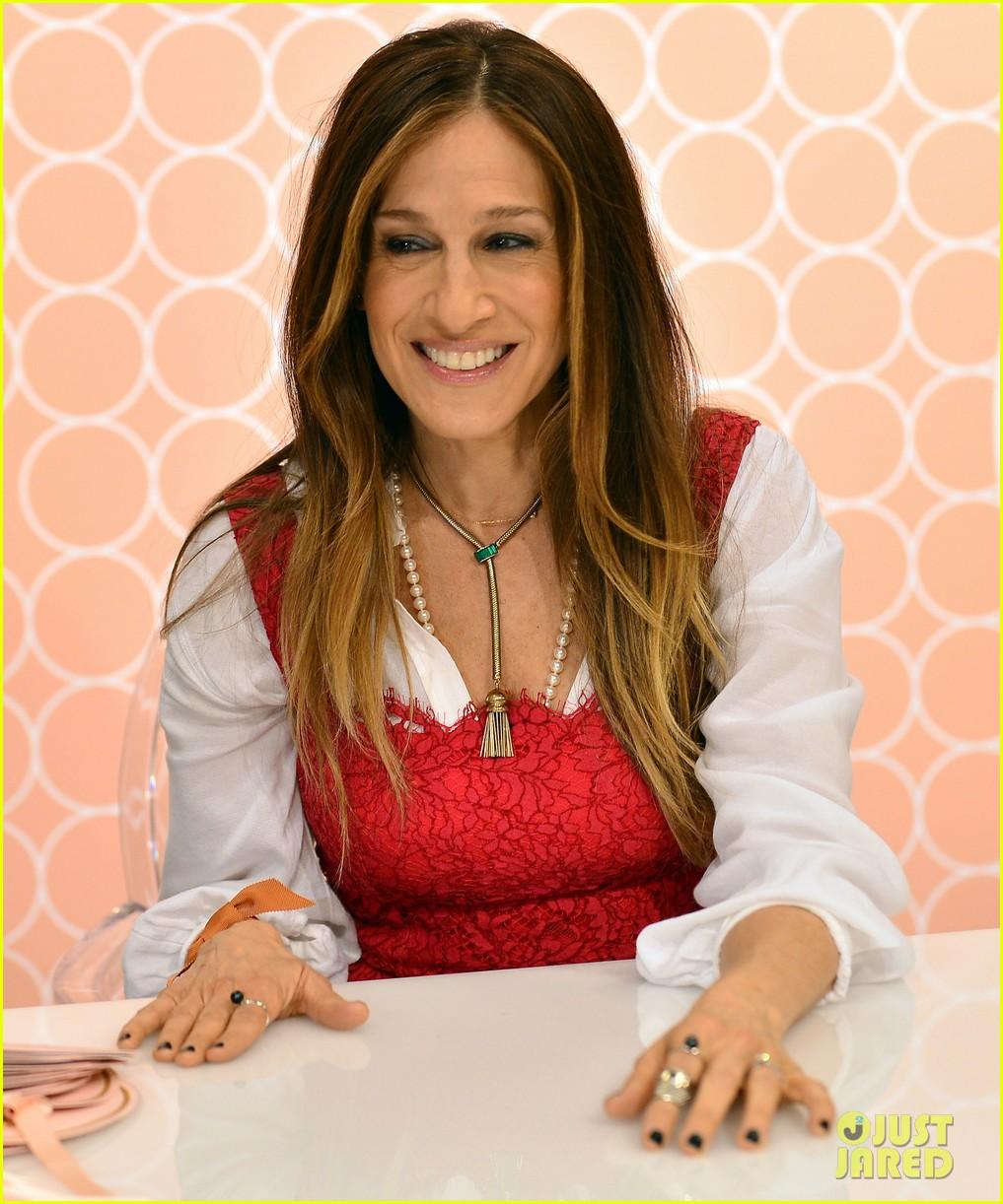 sarah jessica parker promotes her shoe line in florida 163068725