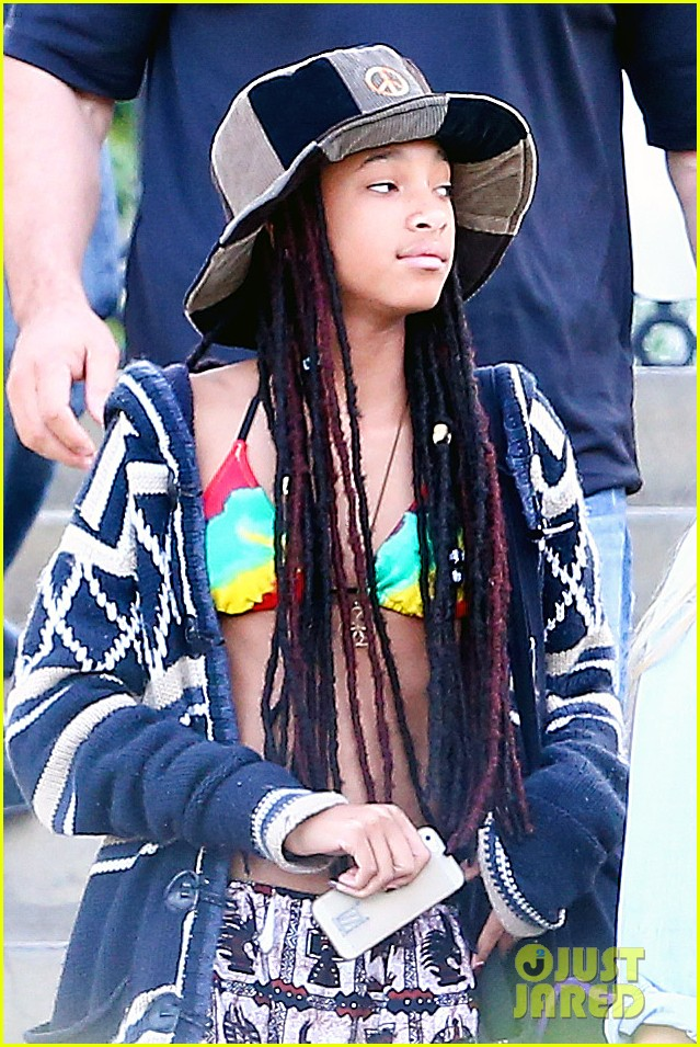 willow smith wears bikini top for sushi dinner 083069270