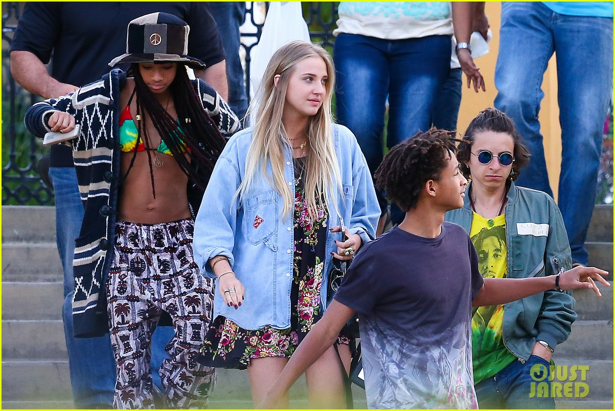 willow smith wears bikini top for sushi dinner 093069271