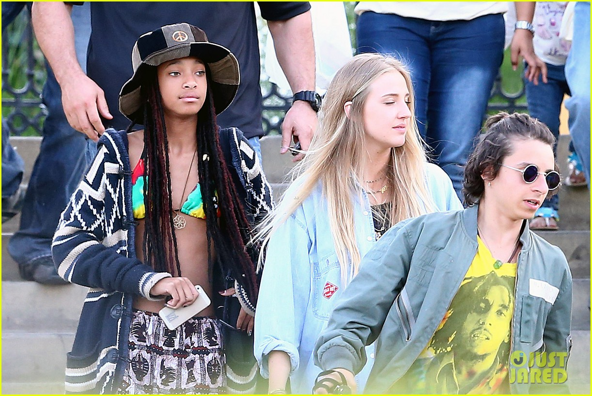 willow smith wears bikini top for sushi dinner 193069281