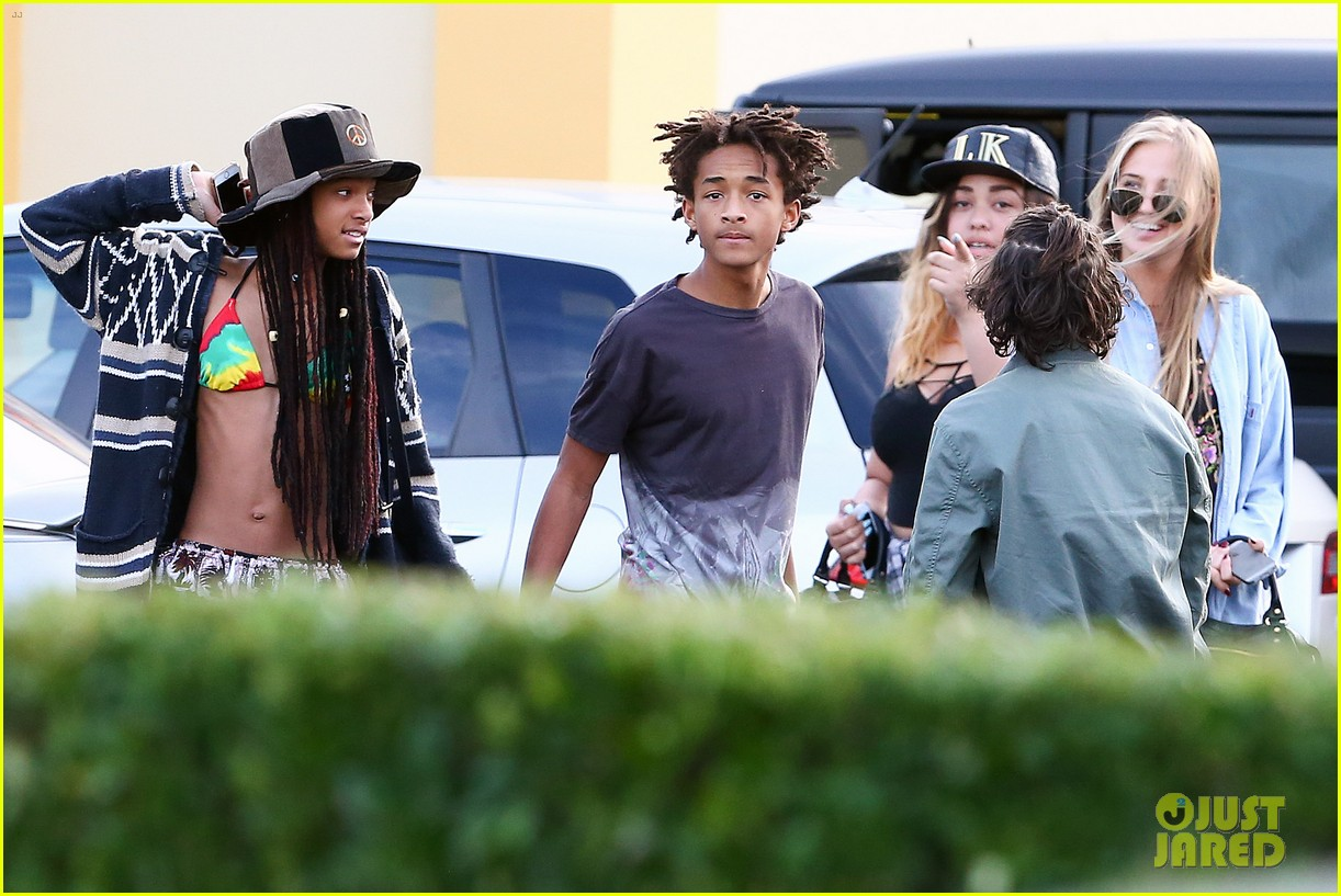 willow smith wears bikini top for sushi dinner 20
