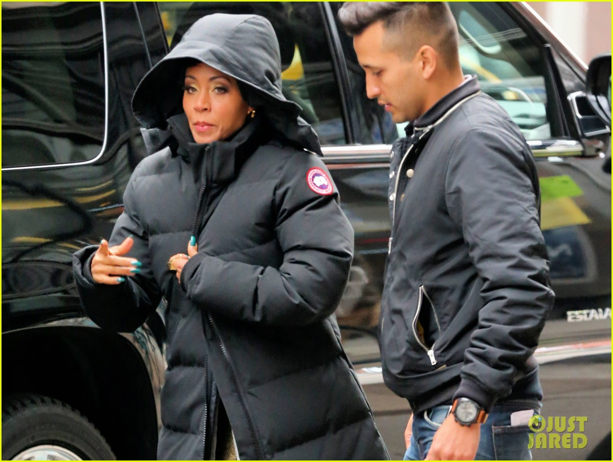 jada pinkett smith debuts red tipped hair sexy outfit for gotham 023078925