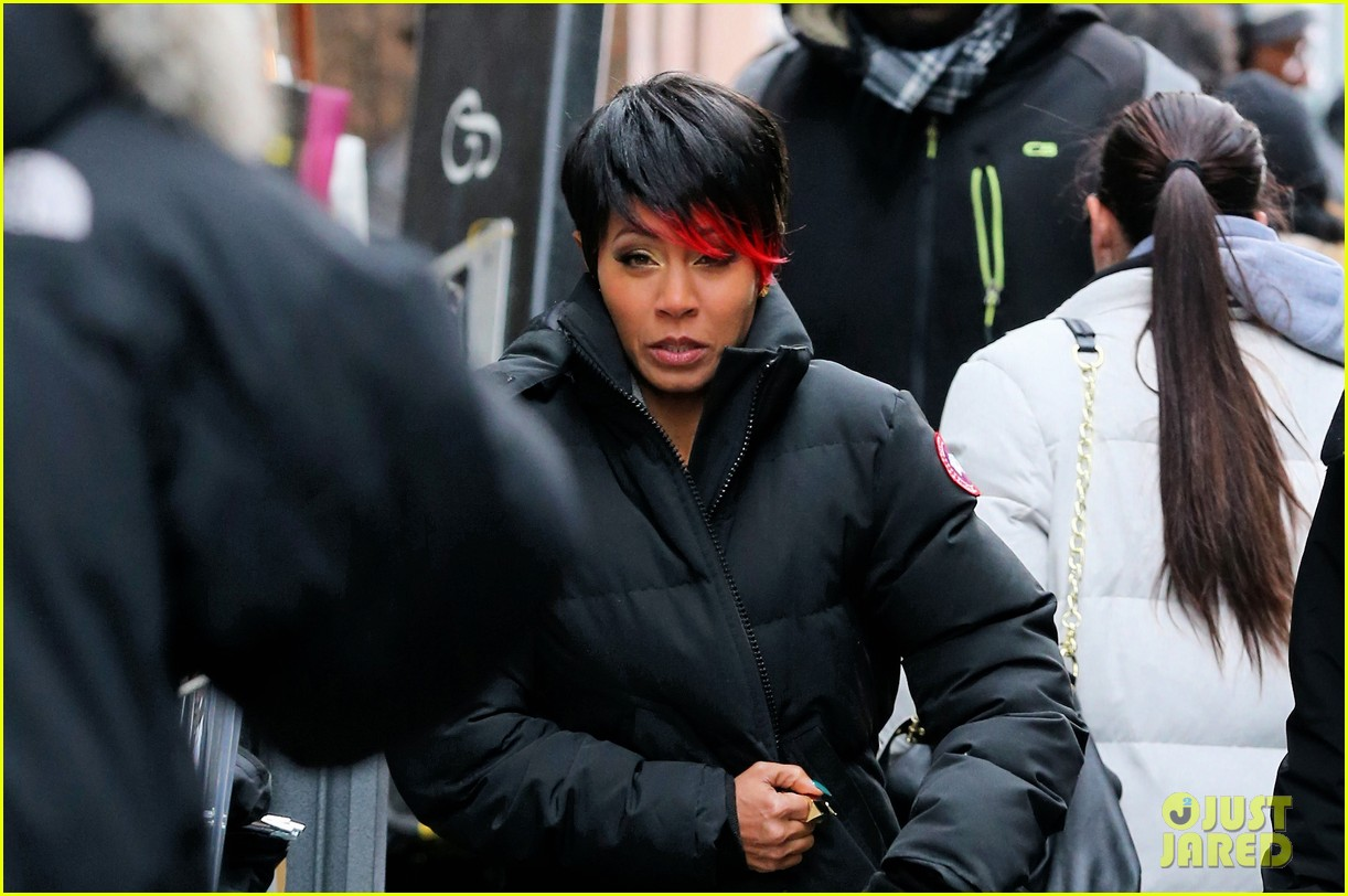 jada pinkett smith debuts red tipped hair sexy outfit for gotham 043078927