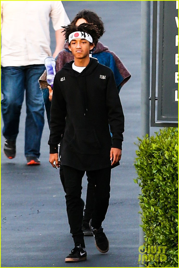 jaden smith has a staring contest with kourtney kardashians daughter penelope 103068935