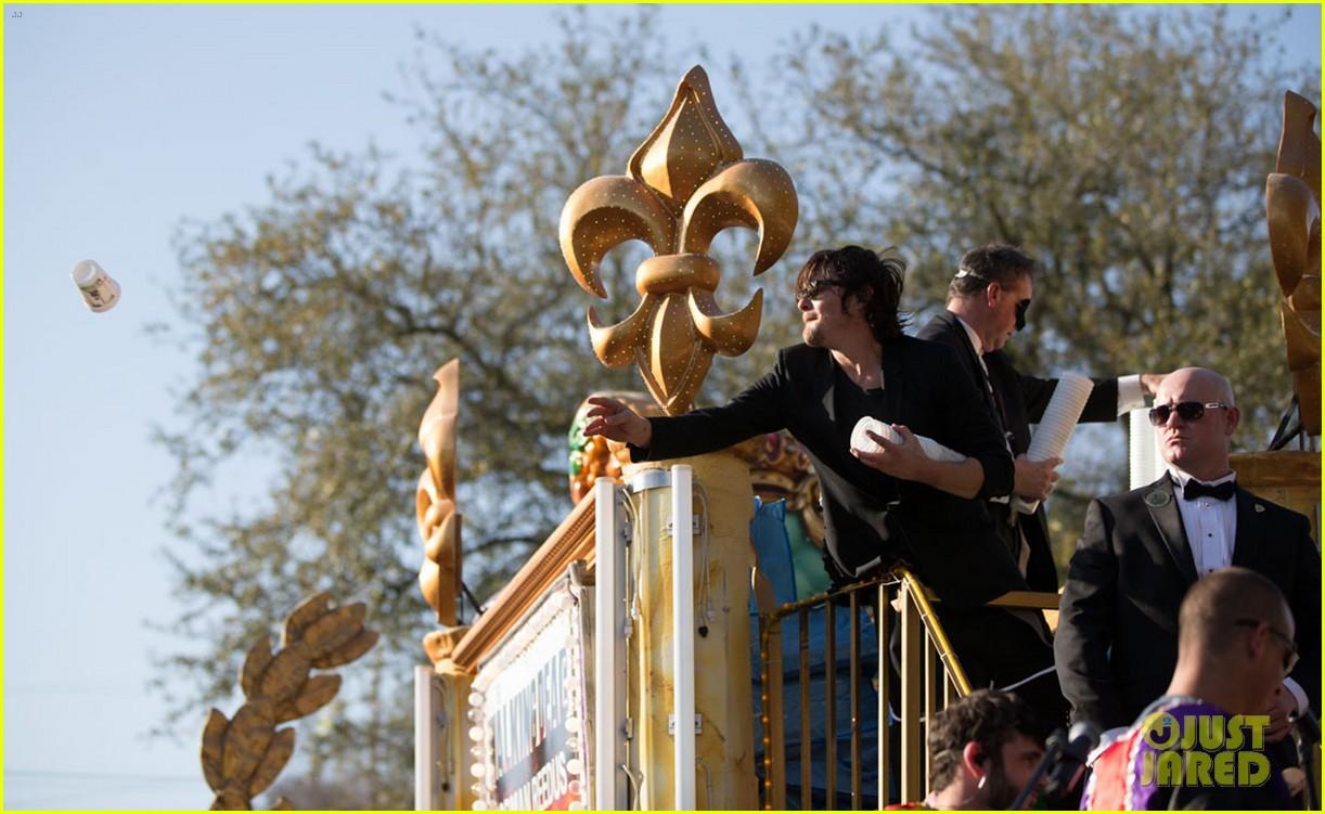 ian somerhalder norman reedus throw mardi gras beads in new orleans 233063307