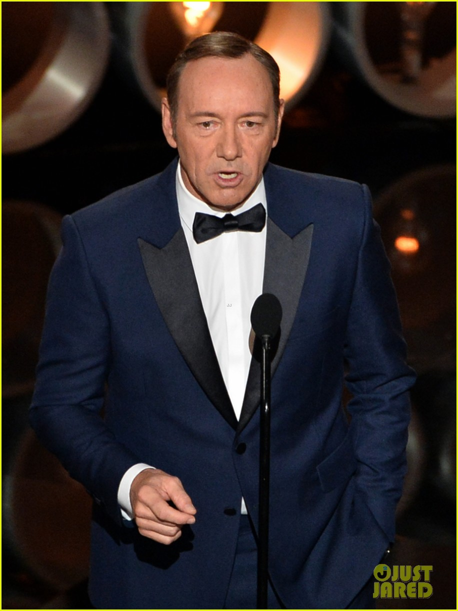 kevin spacey oscars 2014 red carpet 053064074