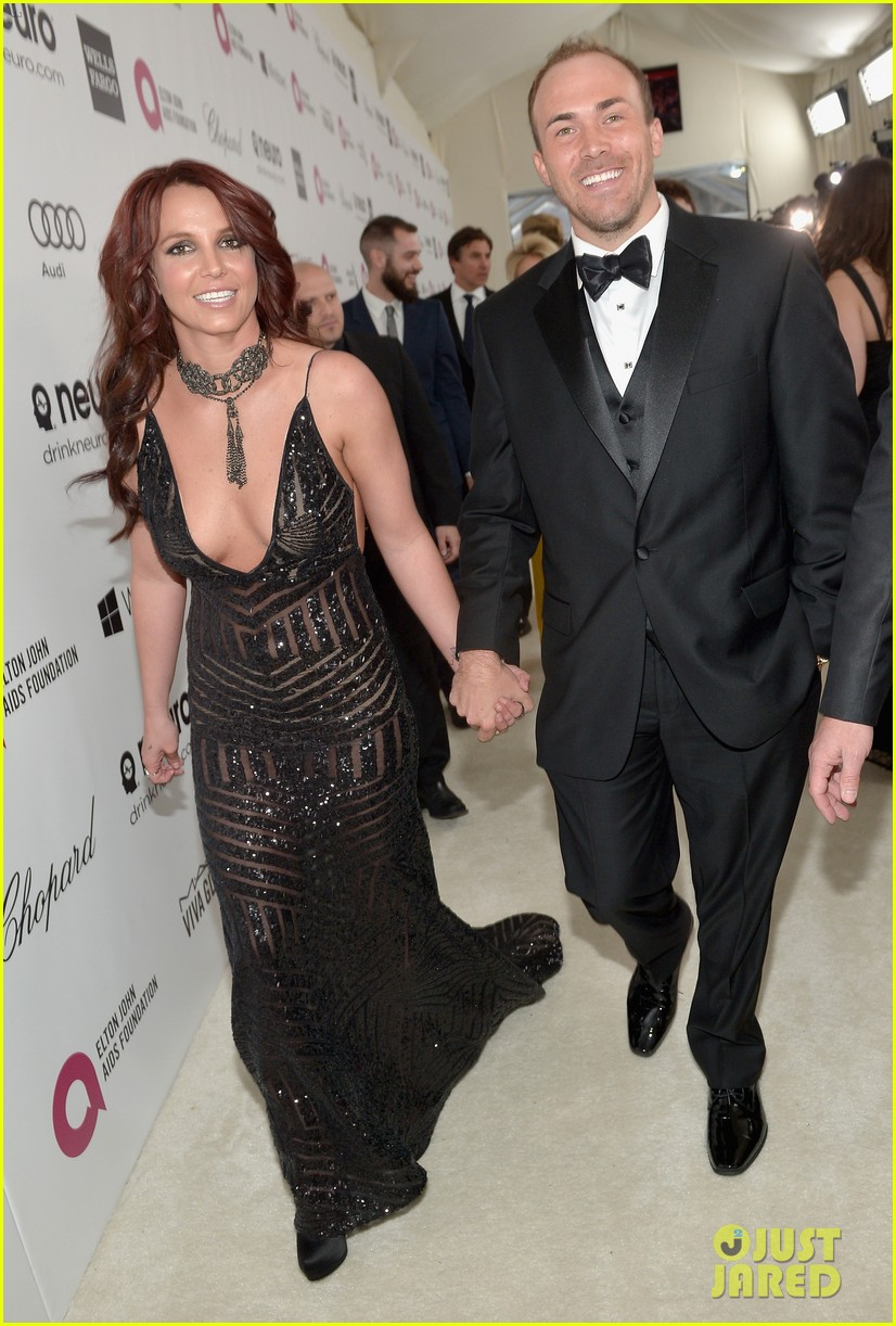 britney spears elton john oscars party 2014 with boyfriend david lucado 013064023