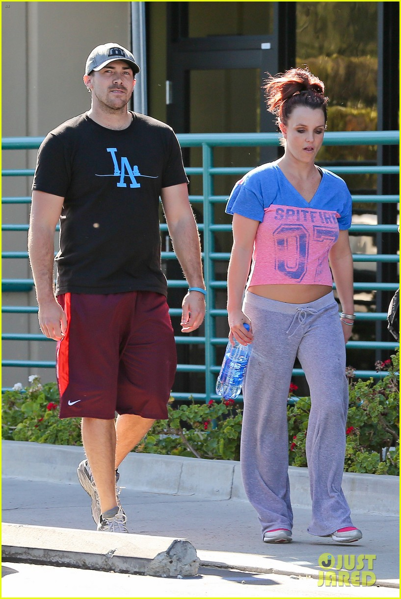 britney spears boyfriend david lucado sweat it out together 013070761