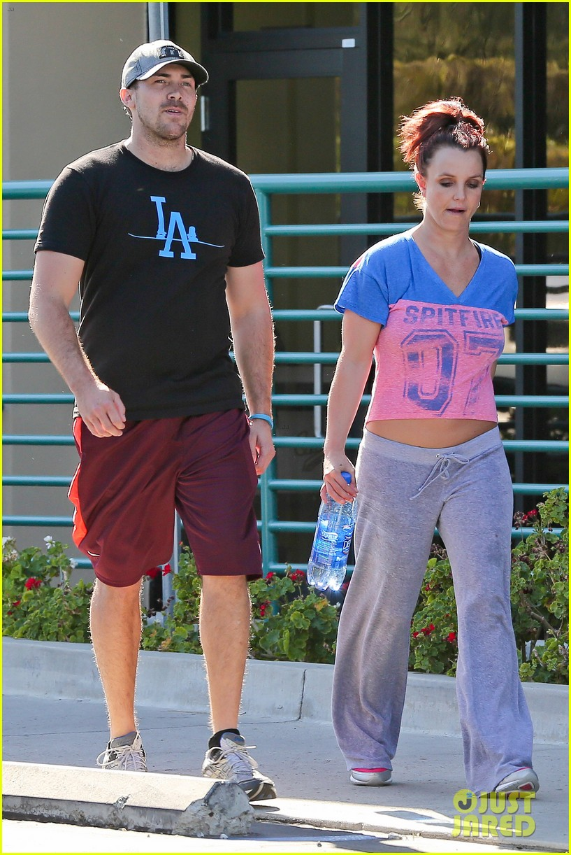 britney spears boyfriend david lucado sweat it out together 023070762