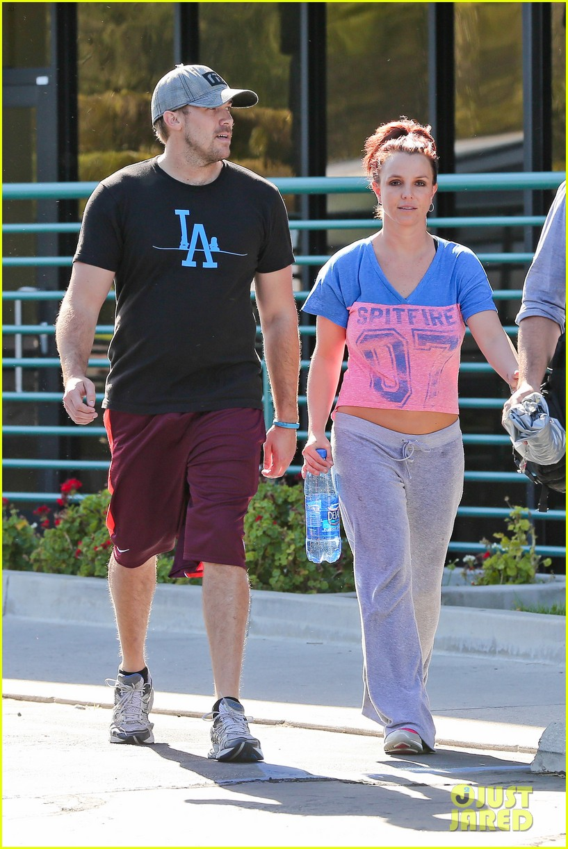 britney spears boyfriend david lucado sweat it out together 143070774