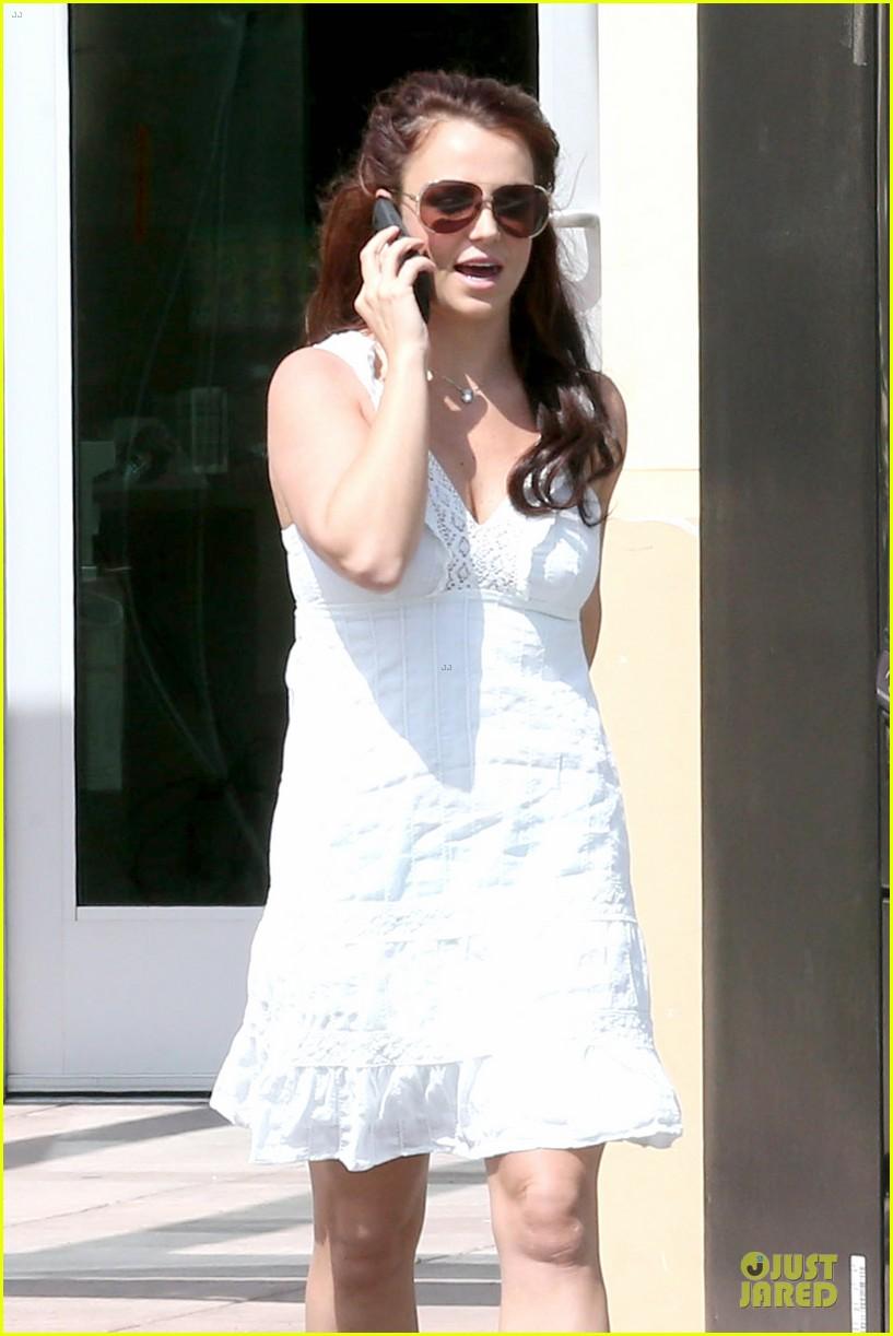 britney spears white after jamie lynn wedding 113076144