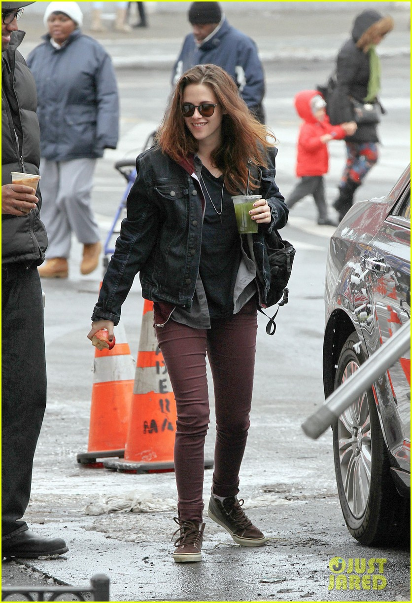 kristen stewart spotted on still alice set in new york city 063064888
