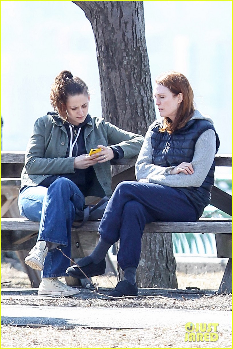 kristen stewart julianne moore film serious scene for still alice 133072015