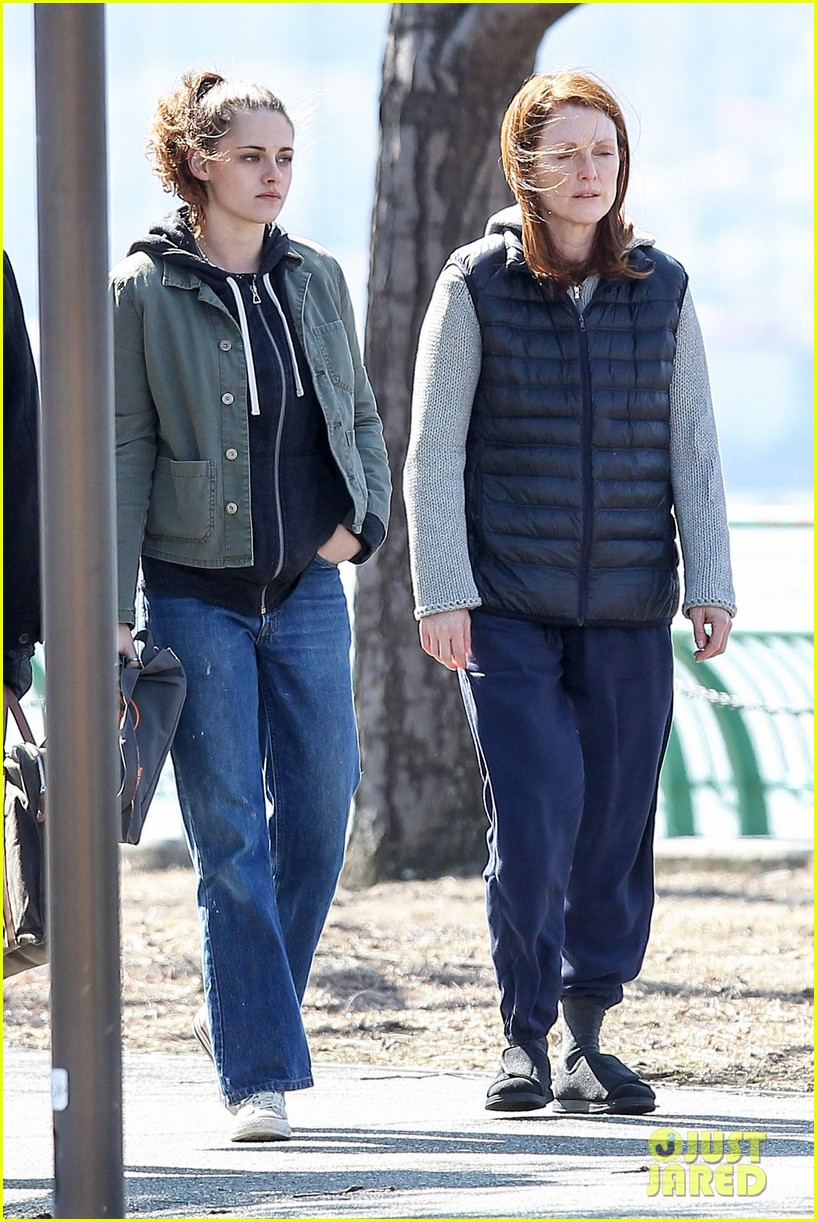 kristen stewart julianne moore film serious scene for still alice 143072016