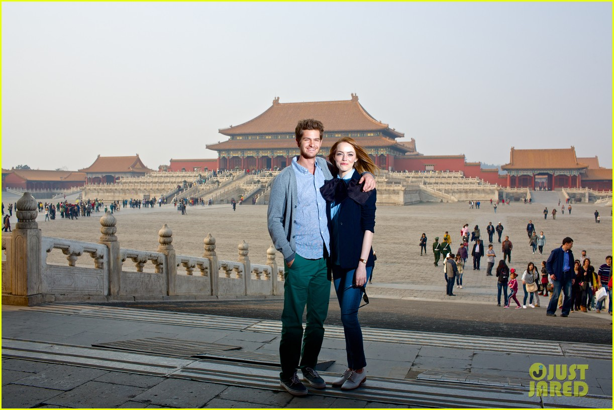 emma stone andrew garfield keep touring asia continue being the cutest couple 013078913