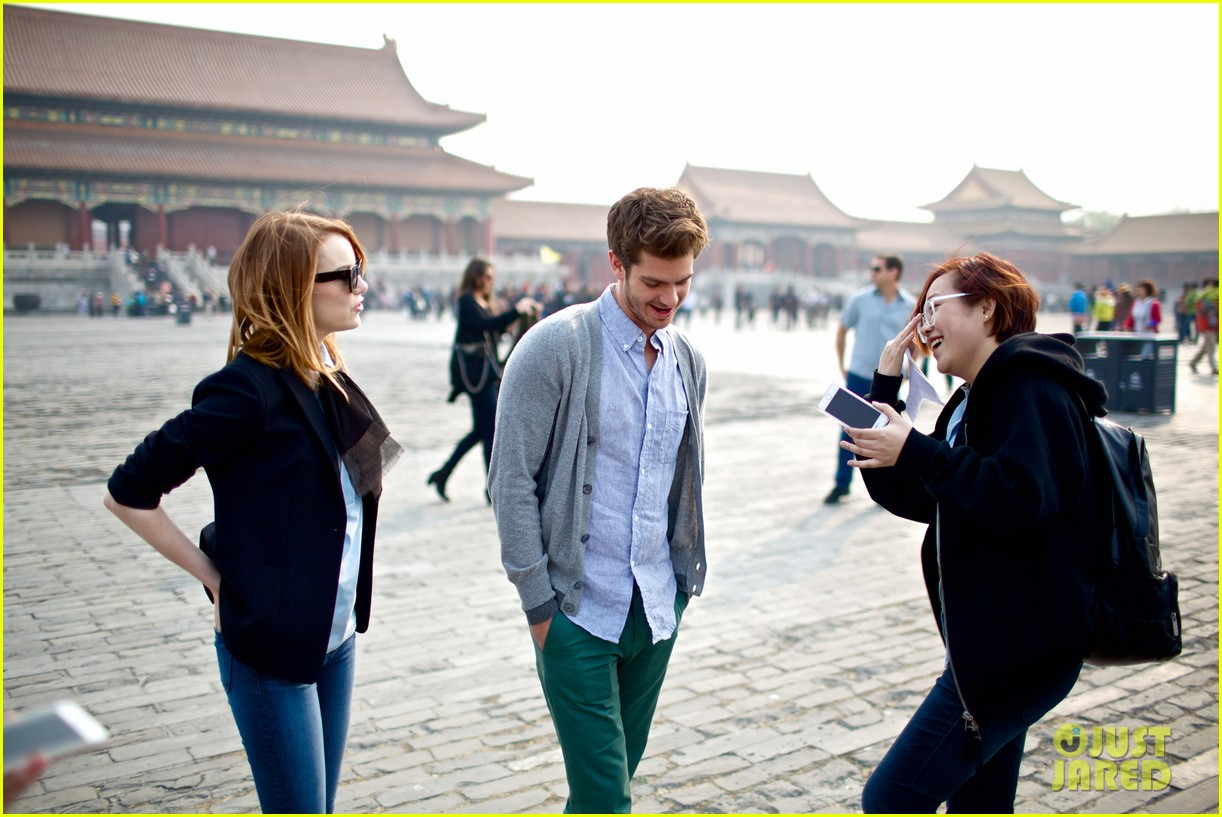 emma stone andrew garfield keep touring asia continue being the cutest couple 083078920