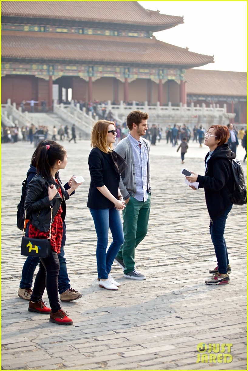 emma stone andrew garfield keep touring asia continue being the cutest couple 093078921