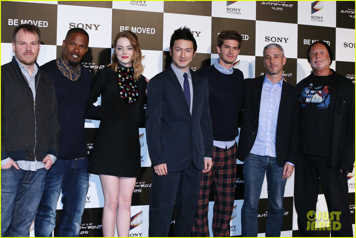 emma stone andrew garfield hit tokyo for amazing spider man 2 press conference 093082082
