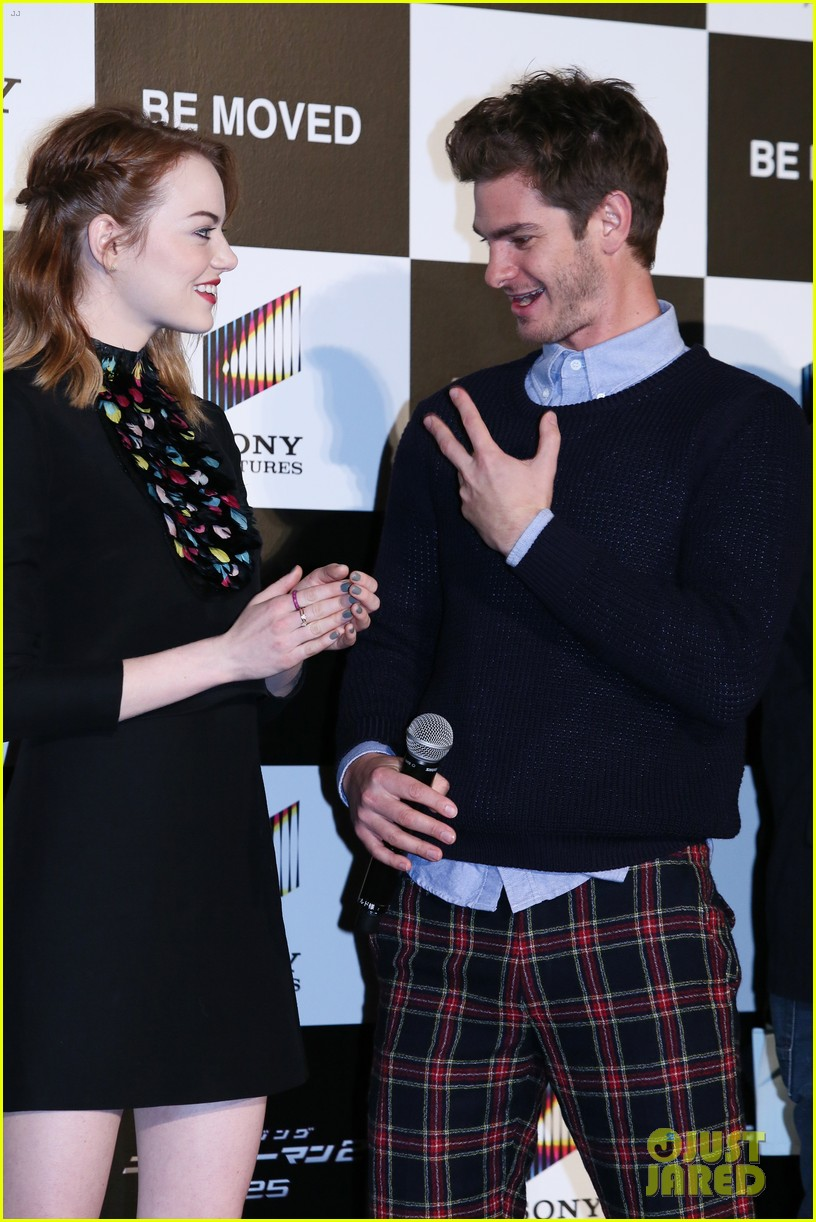 emma stone andrew garfield hit tokyo for amazing spider man 2 press conference 123082085
