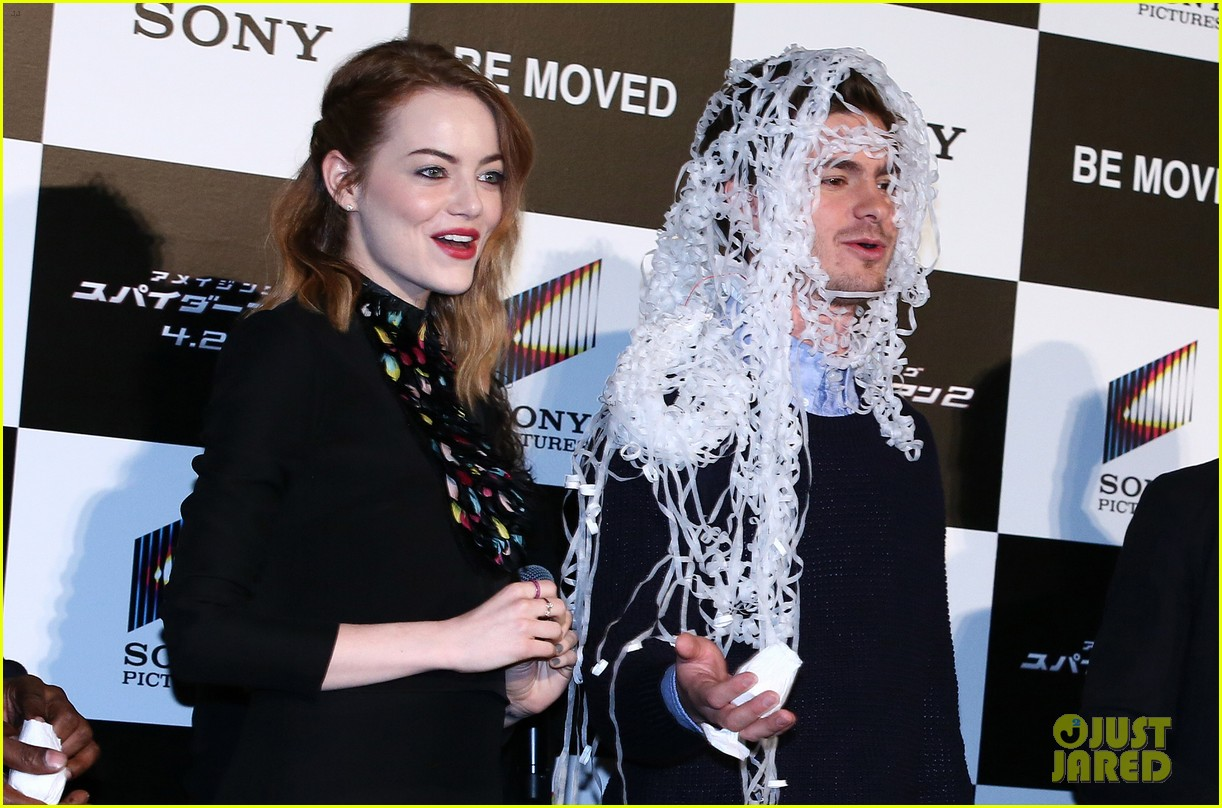 emma stone andrew garfield hit tokyo for amazing spider man 2 press conference 153082088