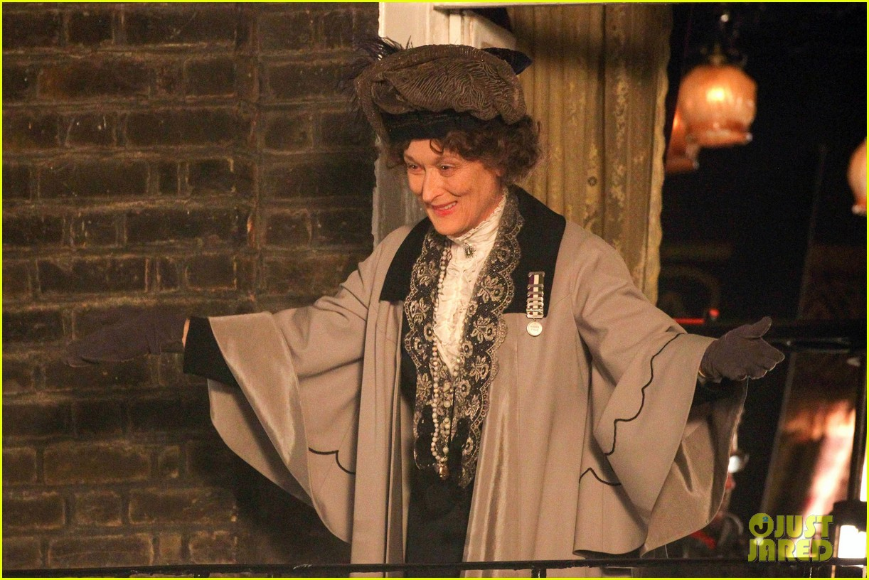 meryl streep first look on set at suffragette 223078367