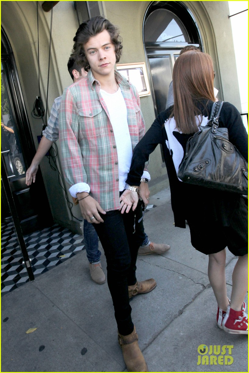 harry styles lunches in los angeles without one direction 203070618