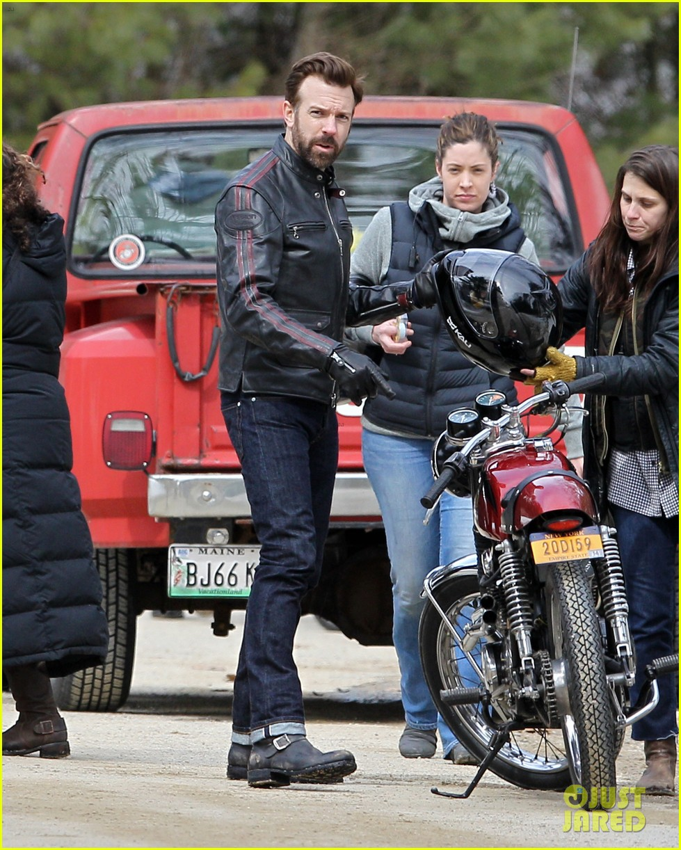 jason sudeikis rebecca hall start work on tumbledown 033077822