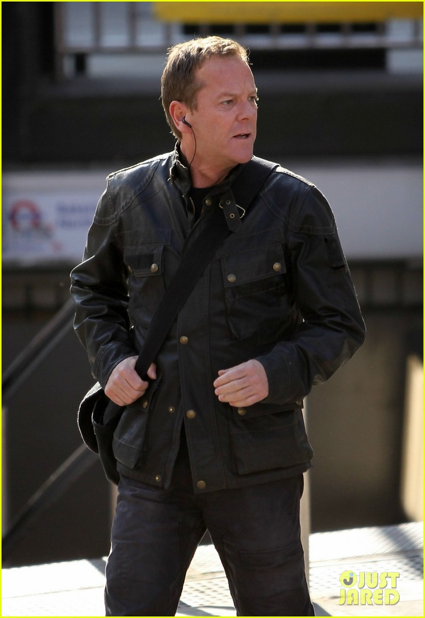 kiefer sutherland 24 clock starts ticking 023069054