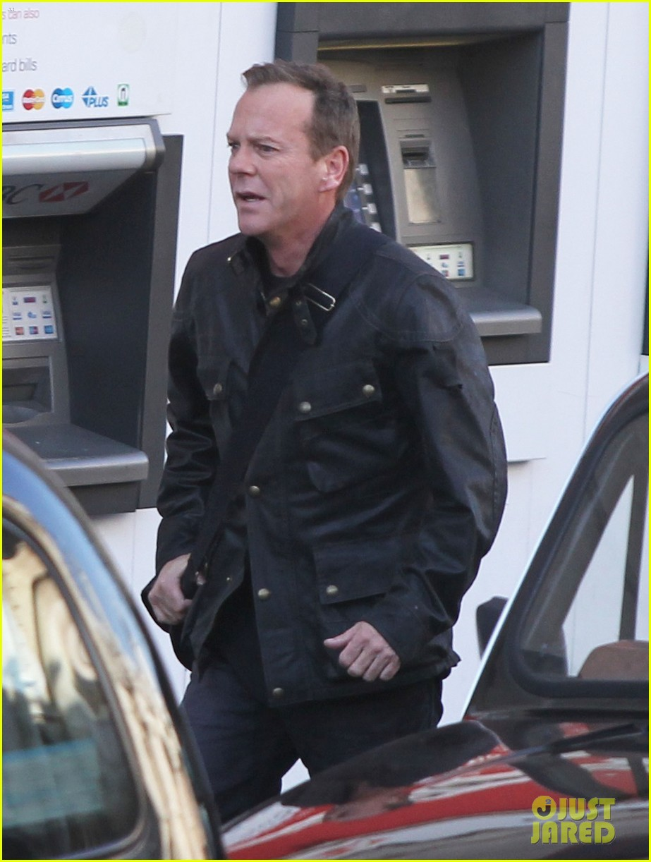 kiefer sutherland 24 clock starts ticking 063069058