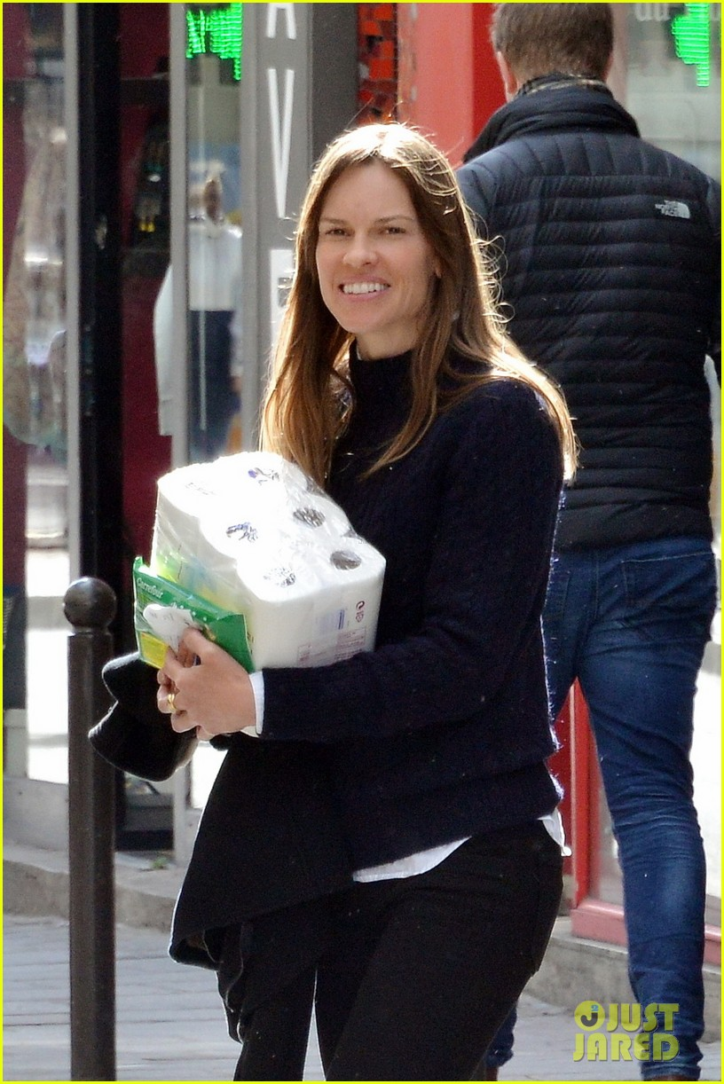 hilary swank treats her two rescue pups to a leisurely parisian stroll 043077029