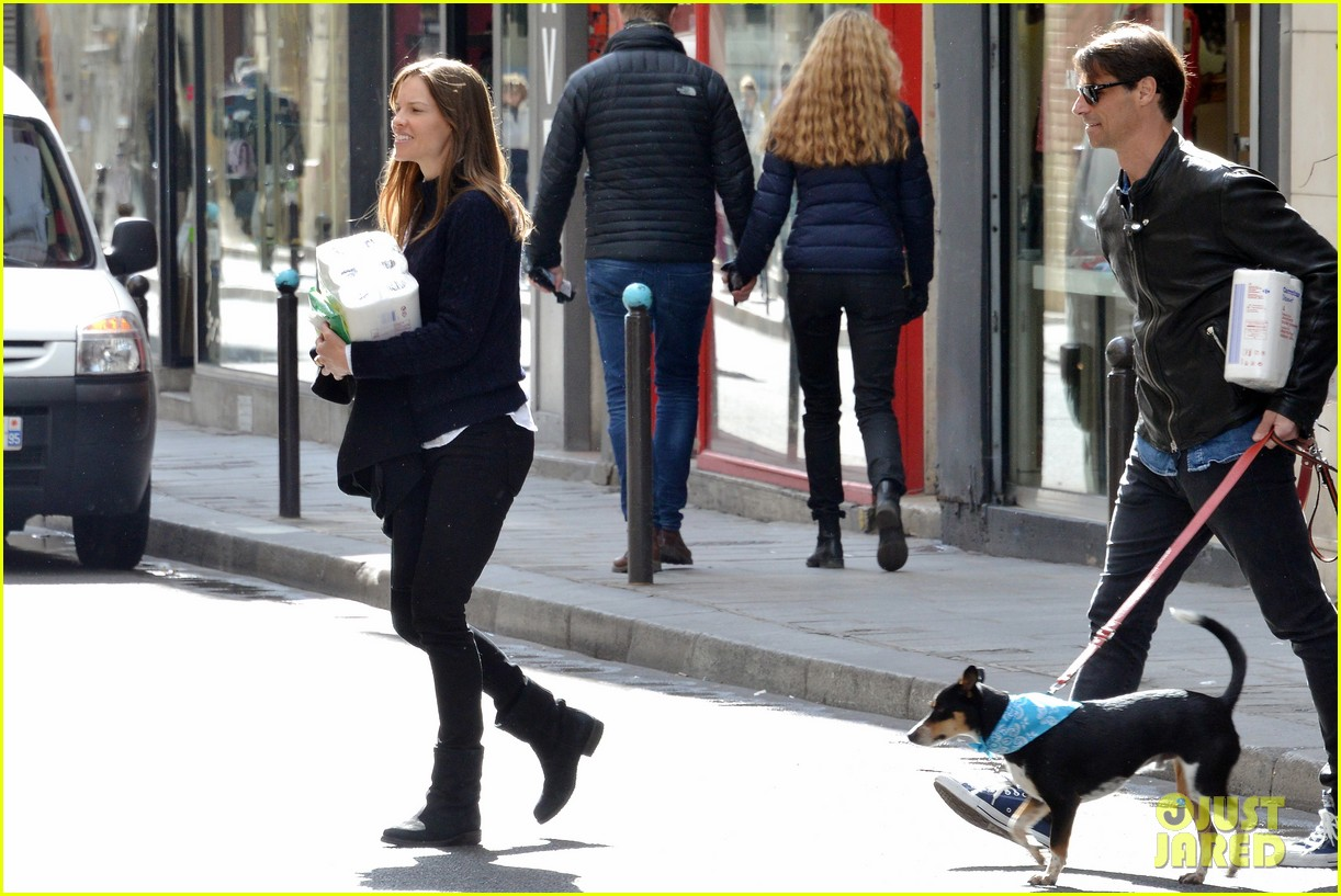 hilary swank treats her two rescue pups to a leisurely parisian stroll 053077030