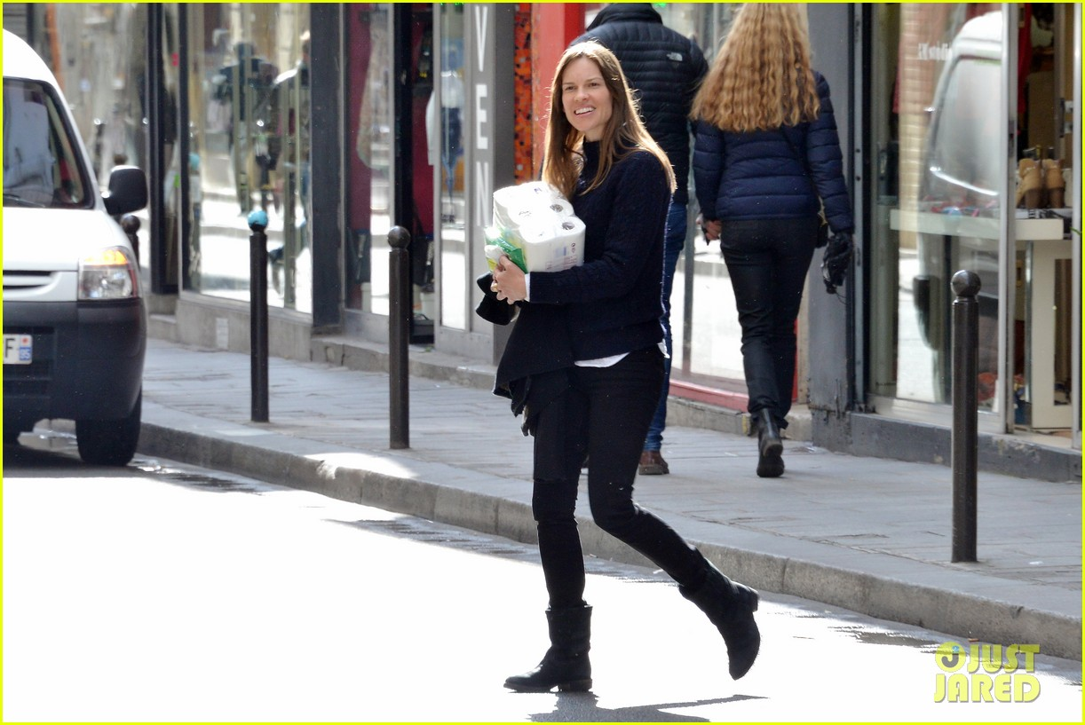 hilary swank treats her two rescue pups to a leisurely parisian stroll 083077033