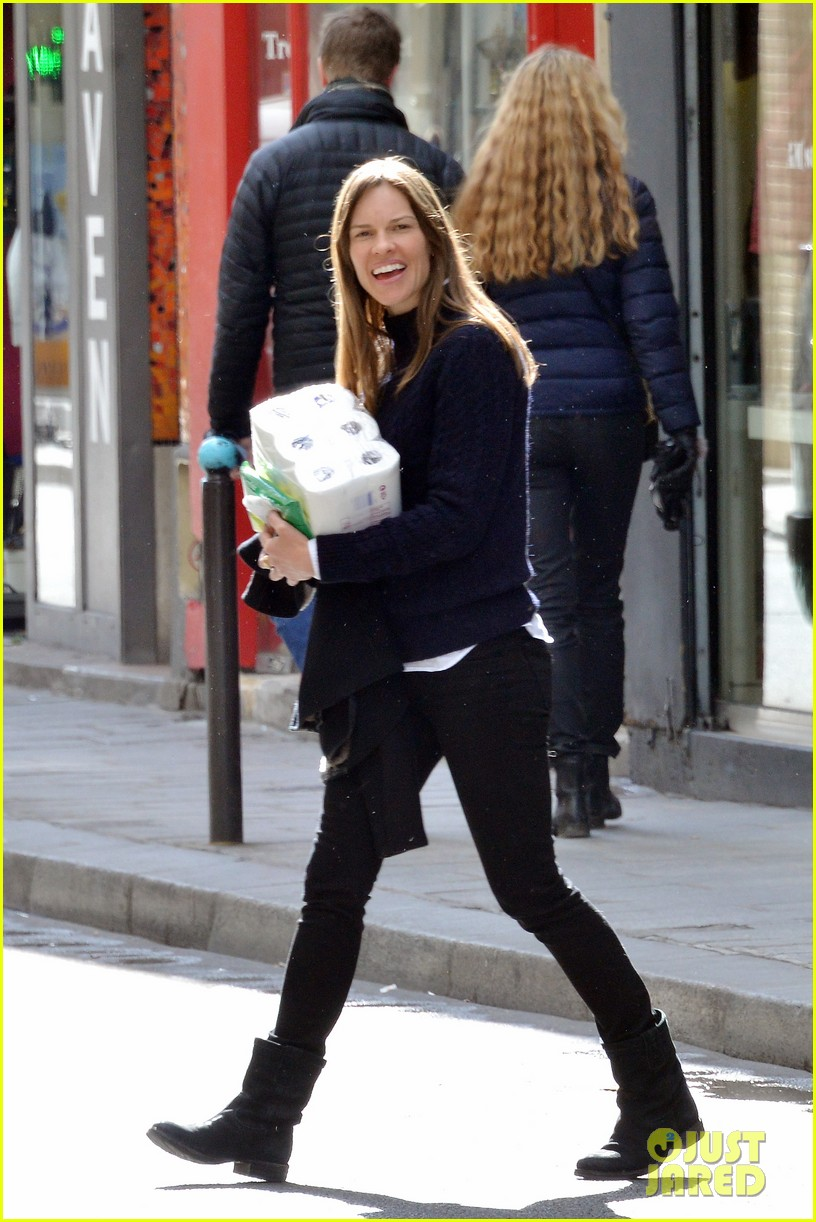 hilary swank treats her two rescue pups to a leisurely parisian stroll 093077034