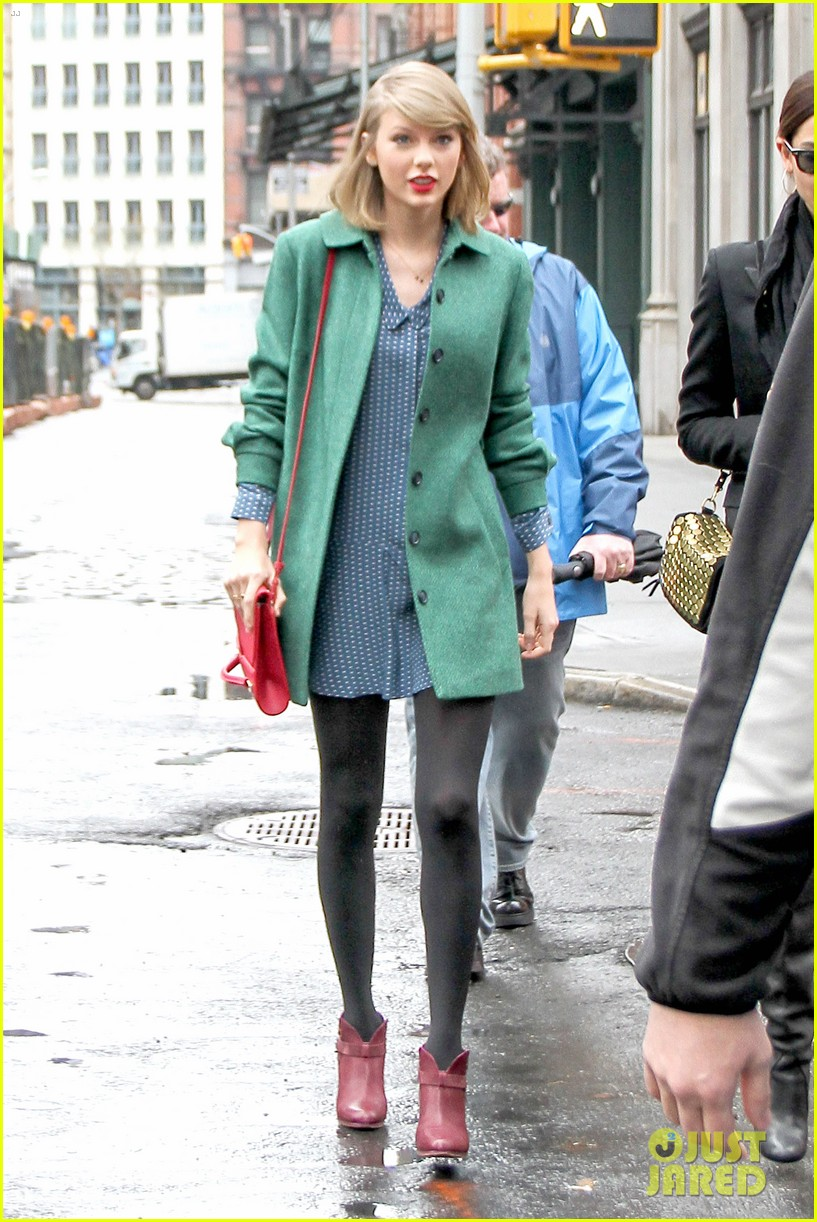 taylor swift grabs lunch with model lily aldridge 013080622