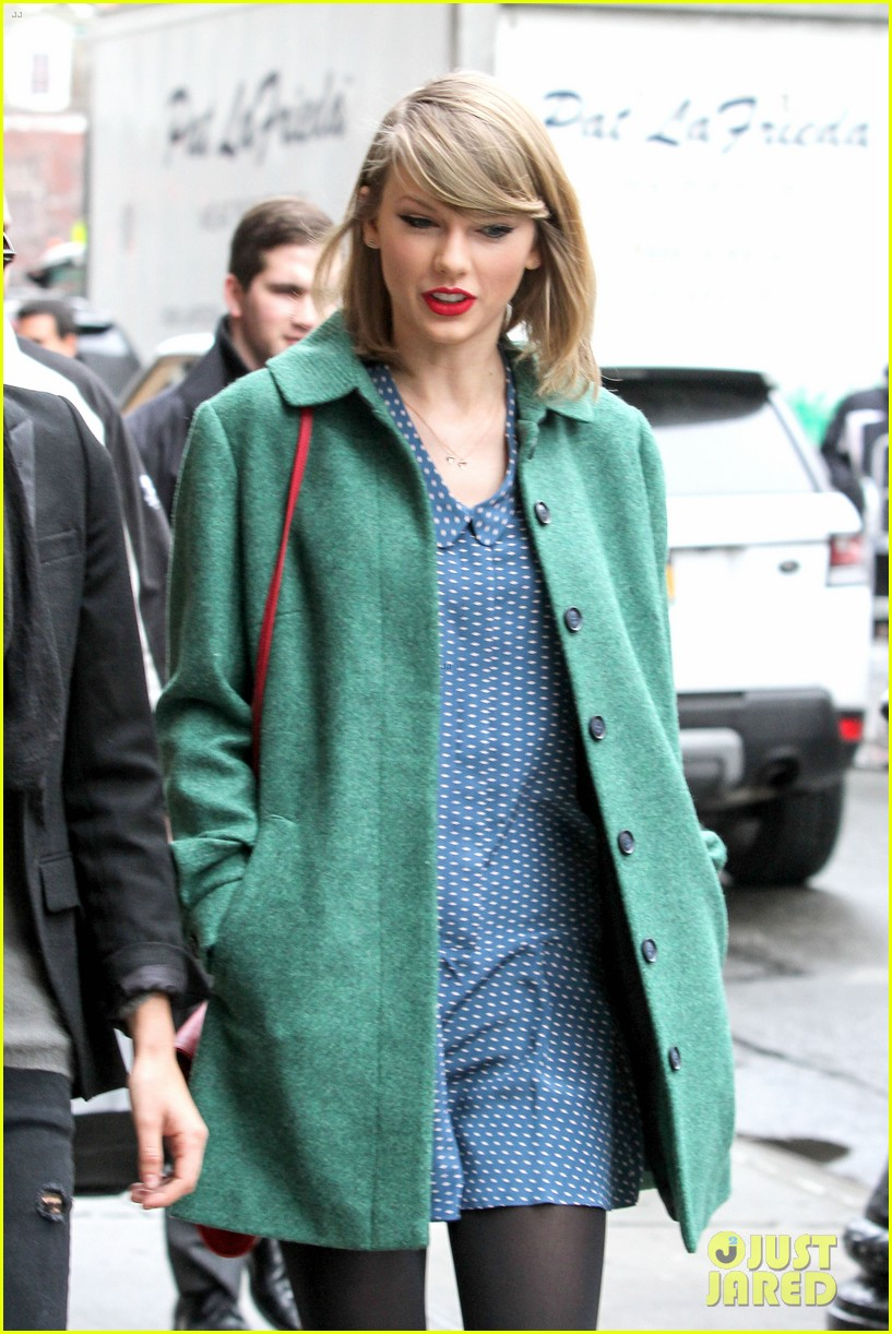 taylor swift grabs lunch with model lily aldridge 07