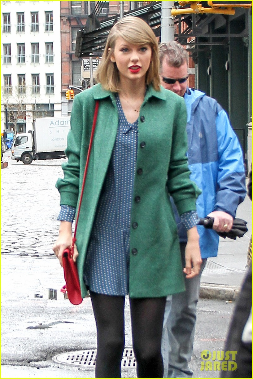 taylor swift grabs lunch with model lily aldridge 113080632