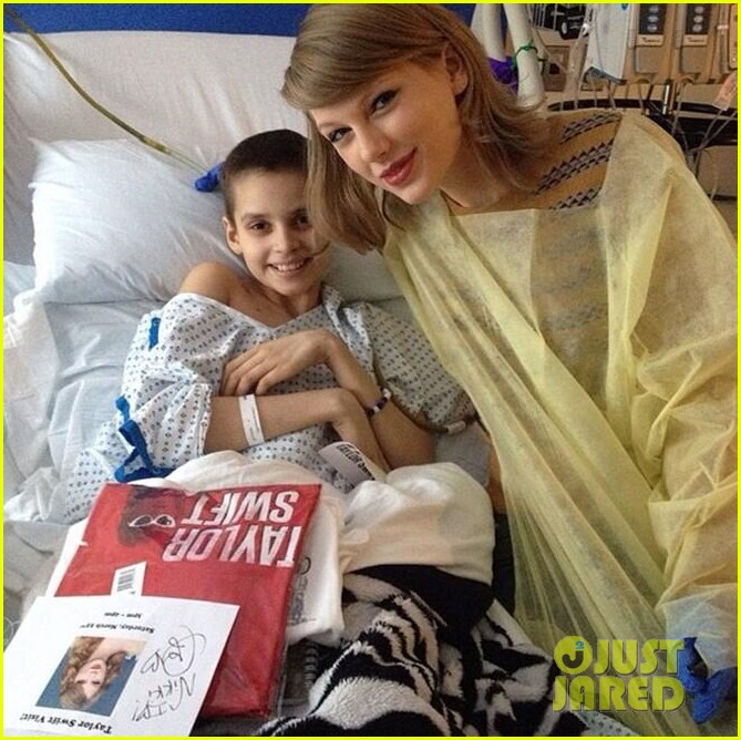 taylor swift childrens hospital visit 023077788