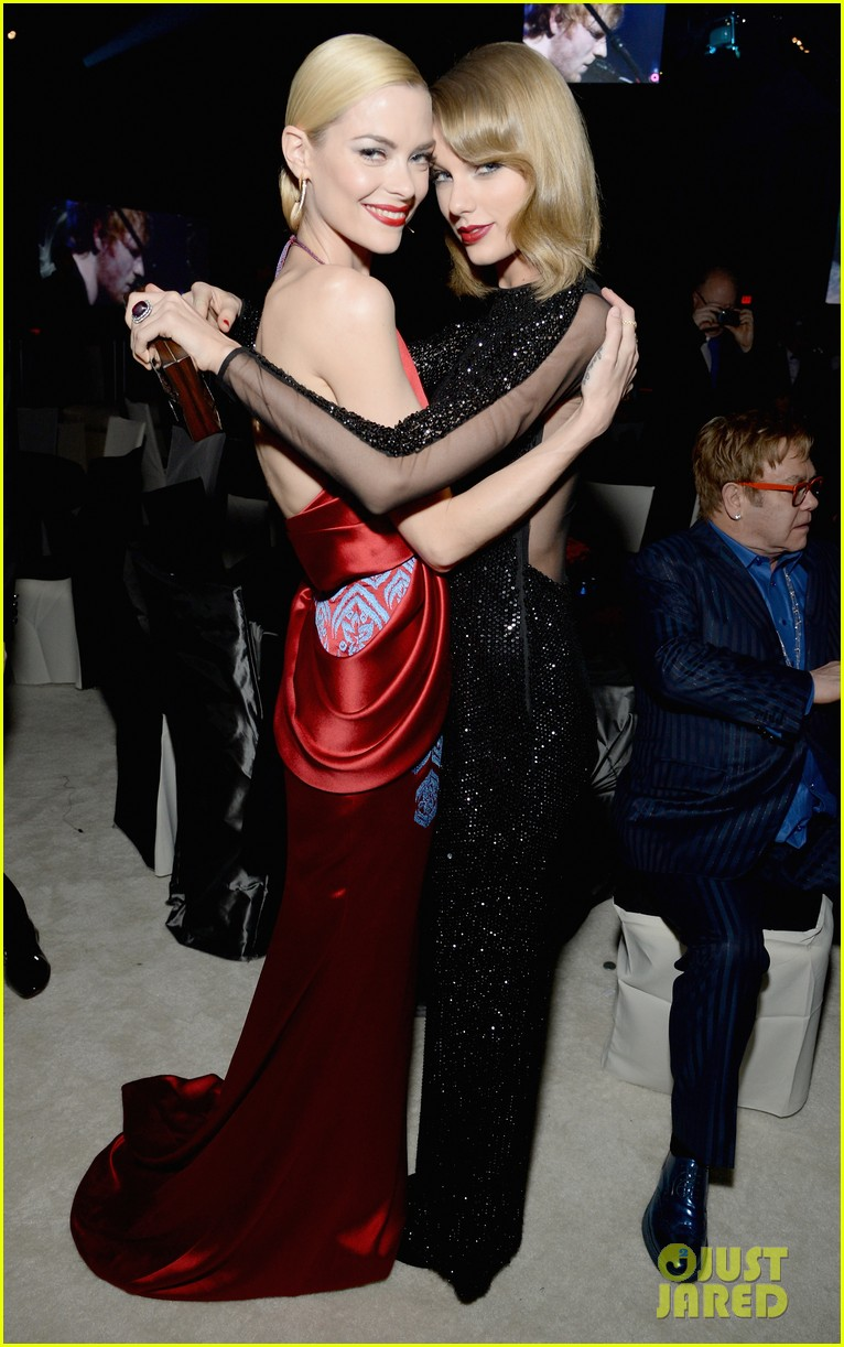 taylor swift jaime king vanity fair oscars party 2014 05