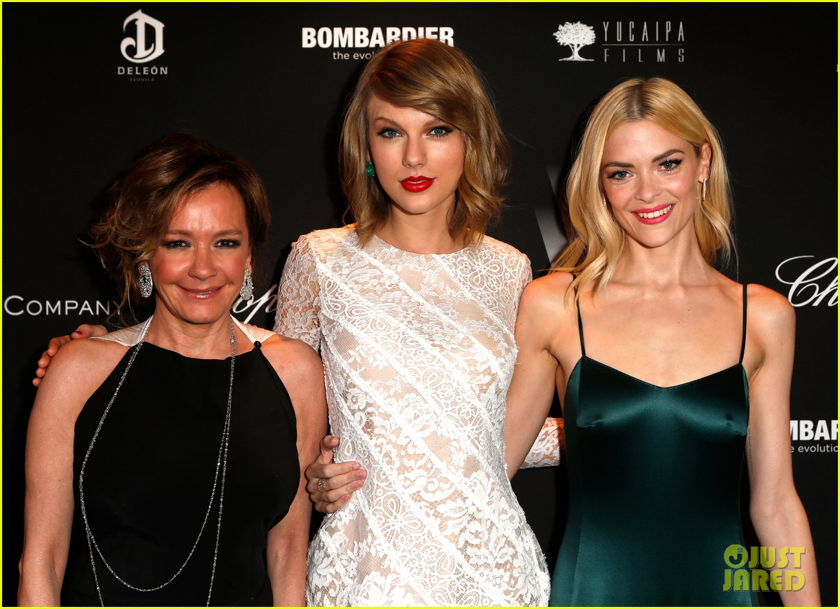 taylor swift jaime king pre oscar party pals 173063502