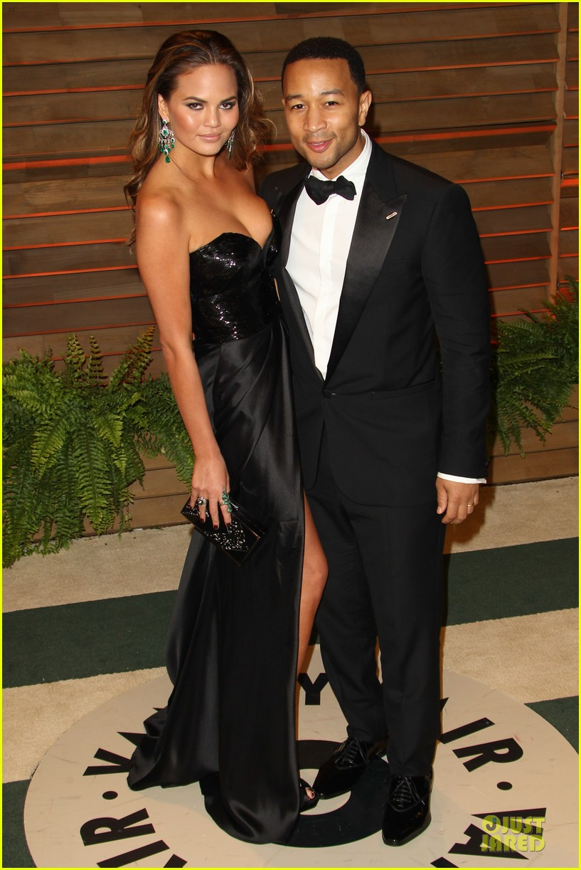 chrissy teigen john legend vanity fair oscars party 2014 013065044
