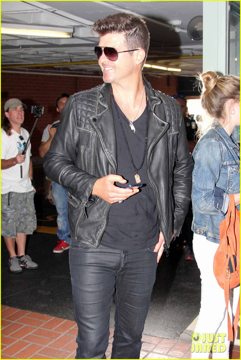 robin thicke partied with leonardo dicaprio for 37th birthday 023070502