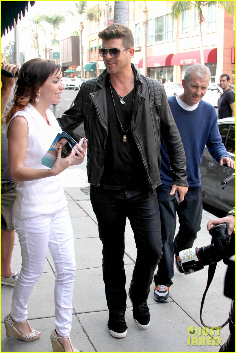 robin thicke partied with leonardo dicaprio for 37th birthday 093070509