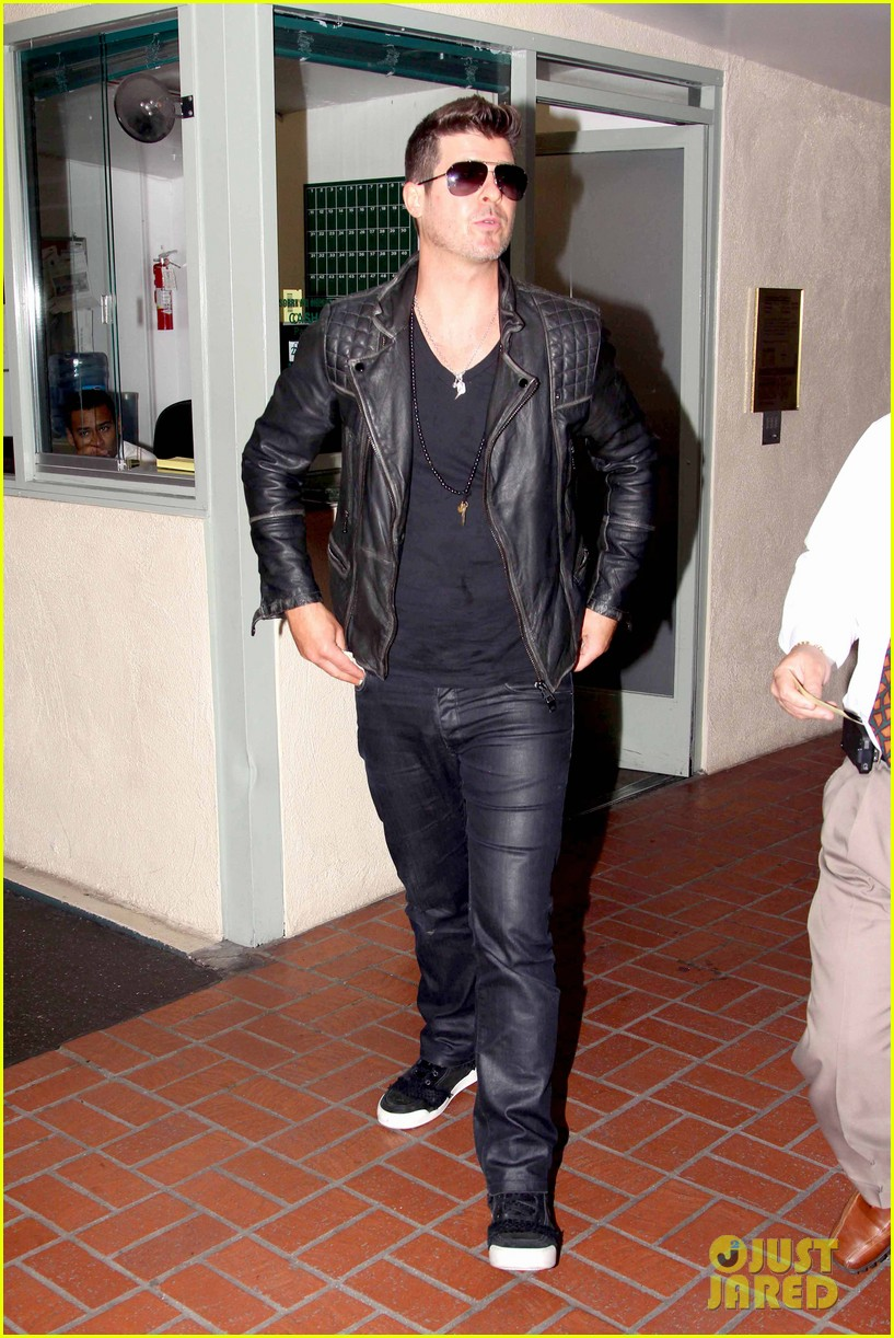robin thicke partied with leonardo dicaprio for 37th birthday 143070514