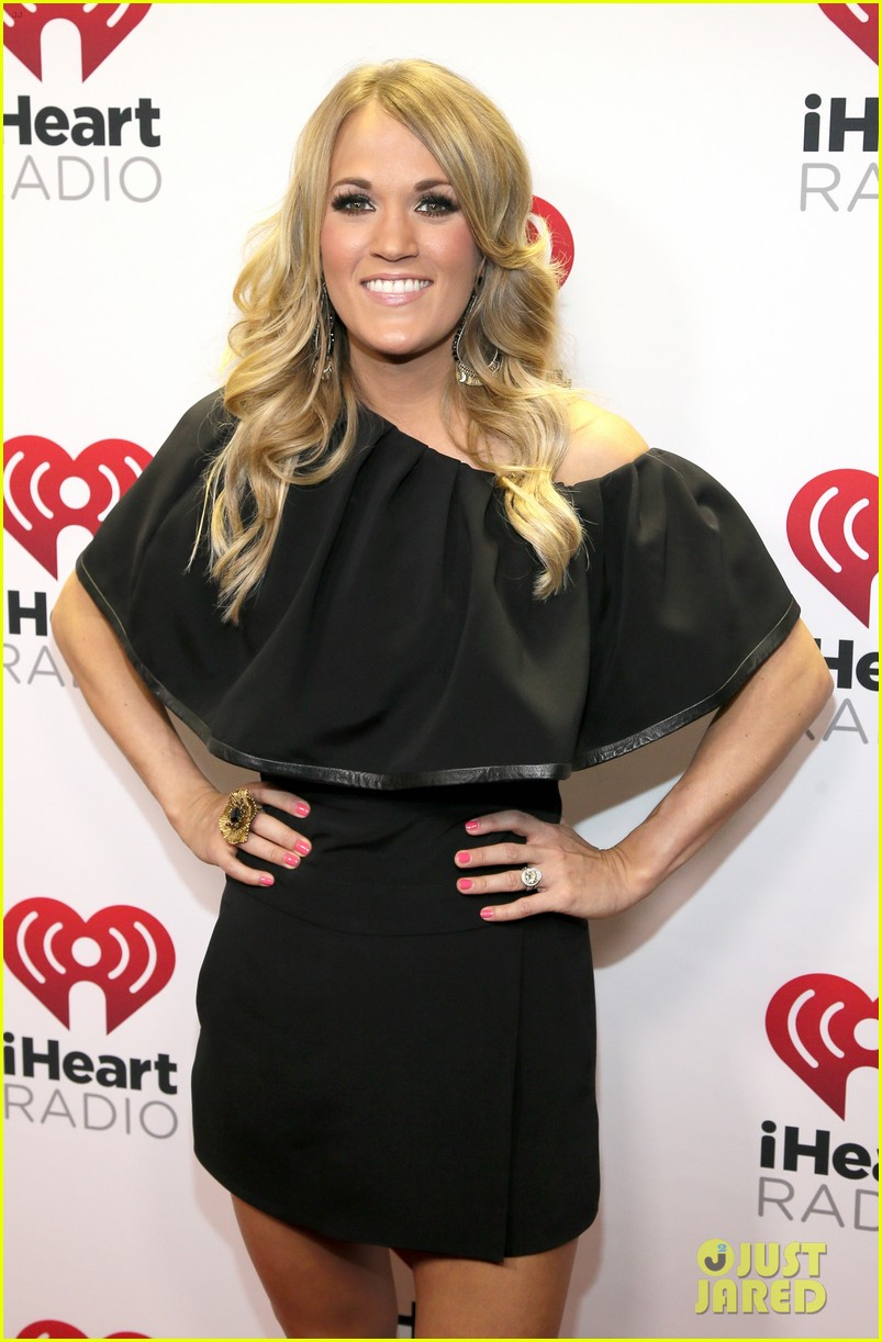 carrie underwood hunter hayes iheartradio country festival 133081459