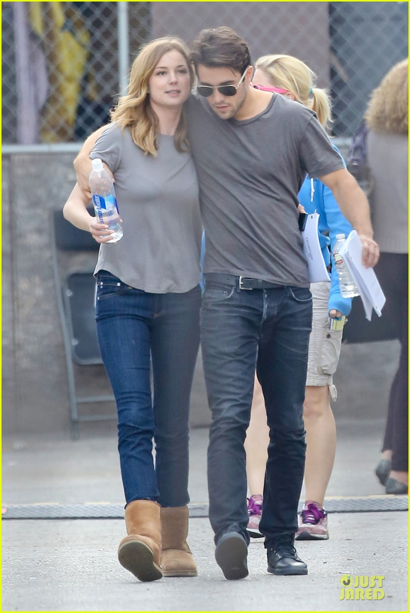 emily vancamp josh bowman wrapped up 013078122
