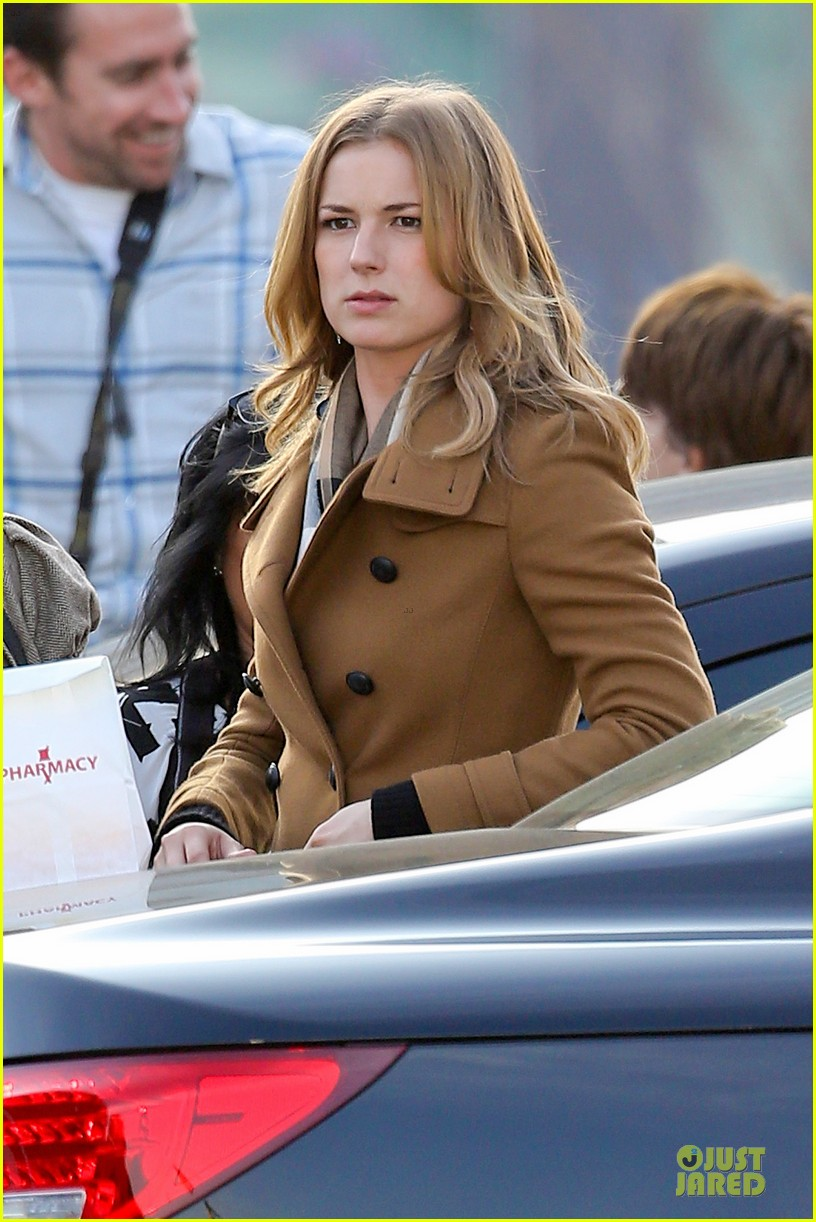 emily vancamp josh bowman wrapped up 043078125