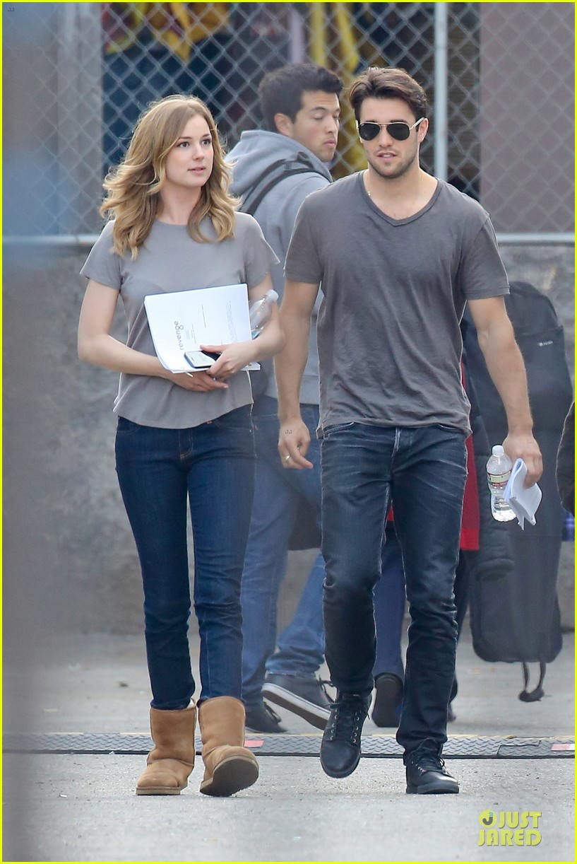 emily vancamp josh bowman wrapped up 153078136