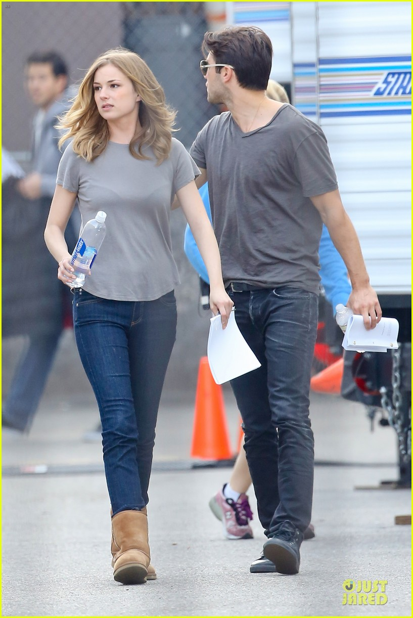 emily vancamp josh bowman wrapped up 29