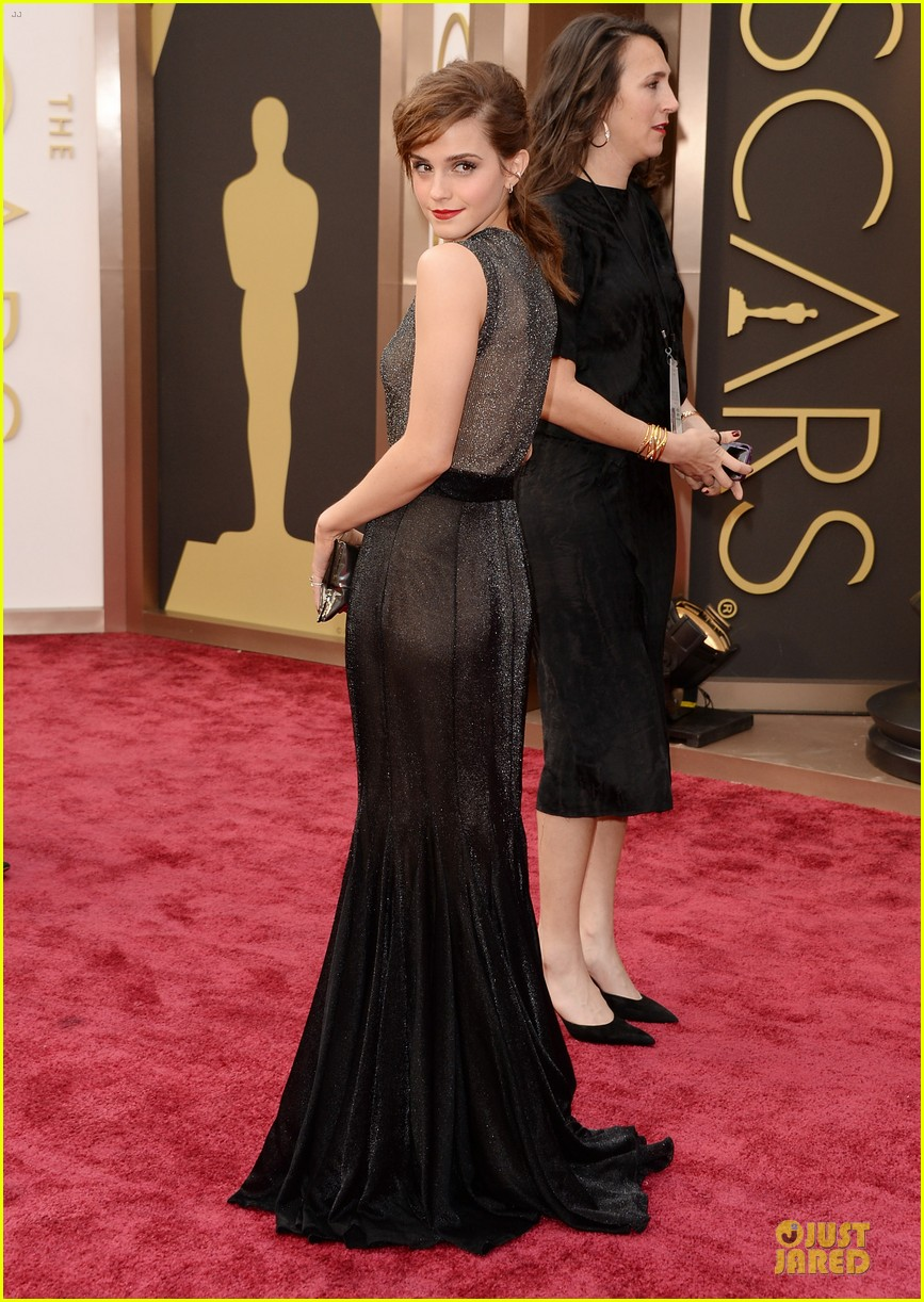 emma watson rocks metallic on oscars 2014 red carpet 013063882